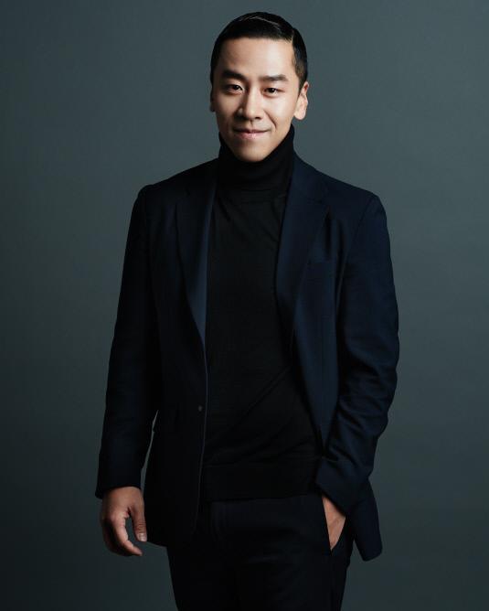 시각물 1: 김한균 대표 프로필